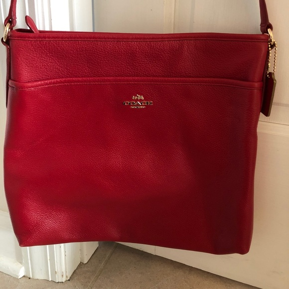 f8763ea7341 New authentic Coach red leather cross body bag.